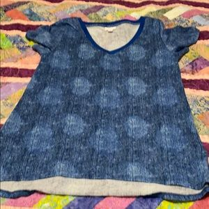 Small blue Lularoe Christy tee